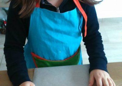 gyermek-kézműves-csoportos-csokoládé-készítés-07