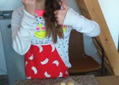 gyermek-kézműves-csoportos-csokoládé-készítés-12